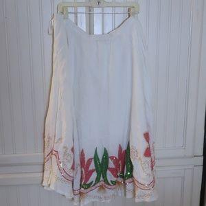 Draper's & Damon White and floral Skirt 2x